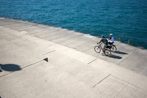 Photo of cyclists along the near south lakefront by Marcin Wachary (cc) via flickr